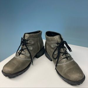 JOSEF SEIBEL Grey Distressed Lace Up Ankle Booties Sz 38